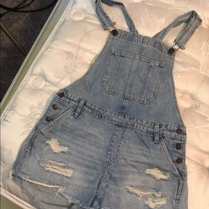 Abercrombie Overalls light wash distressed